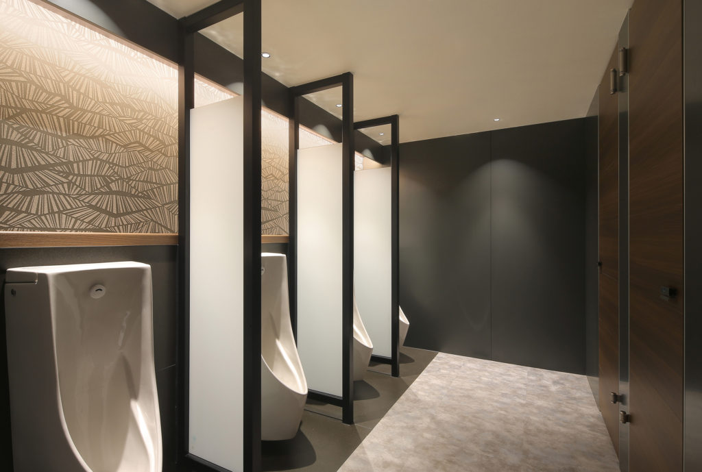 SHIROYAMA HOTEL kagoshima パーティーホール前トイレ改修工事